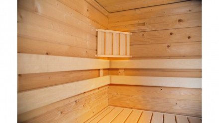 Sauna Ecklampe mit Holz-Abschirmung