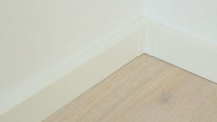 Innenecke selbstklebend für Fußleiste F100202M Modern Weiß 18 x 80 mm