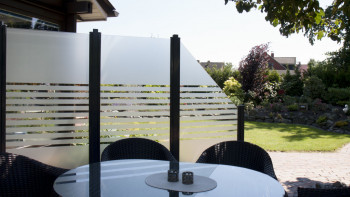 planeo Ambiente - Glas-Sichtschutz Hochkant Streifen 90 x 180 cm