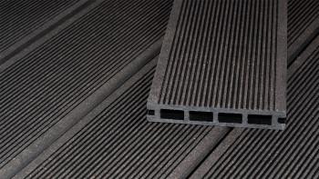 Planche de terrasse en WPC planeo ECO-Line à chambre creuse gris foncé 3,9 m - lisse/rainé