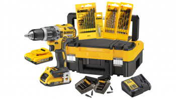 DeWALT 18V Battery Impact Drill Set DCK796 - 2 x 2Ah Battery + 71 pcs. accessoires